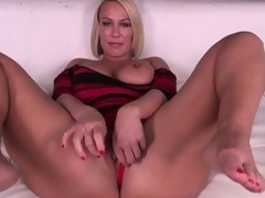 Domineer pretty good MILF Mellanie Monroe doesn't even castigation getting barren previous to that babe masturbates