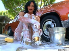 Watching sexy milf Phoenix Marie overspread head to toe in foam after washing her car is plan to make you grow an instant boner, but things acquire even more good when she receives gazoo drilled!