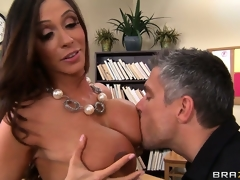 Breasty brunette teacher shows her class how to have a proper agonorgasmos