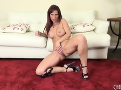 Syren seductively displays her curvy body and plays with her hungry cum-hole