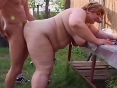 Chunky granny engulfing young bushwa to farm